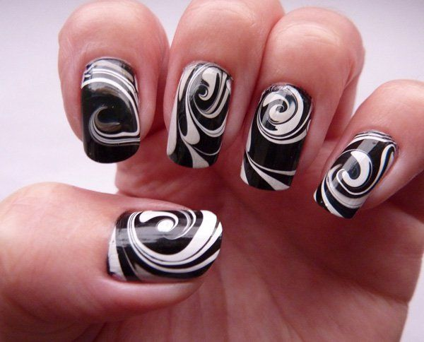 Shav iTrue – Creating Marble Nail Artwork on your own
