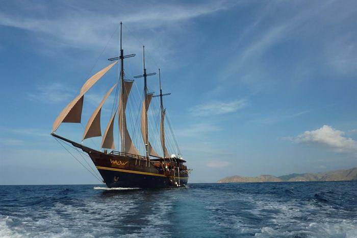 Enjoy the Liveaboard Trip with AYANA